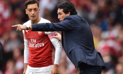 Unai Emery and Mesut Ozil at the Emirates Stadium