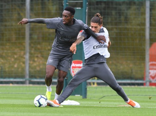 Welbeck and Bellerin in Arsenal training