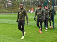 ST ALBANS, ENGLAND - OCTOBER 06: (L-R) Danny Welbeck and Alex Iwobi of Arsenal during a training sesion at London Colney on October 5, 2018 in St Albans, England. (Photo by Stuart MacFarlane/Arsenal FC via Getty Images) *** Local Caption *** Danny Welbeck;Alex Iwobi