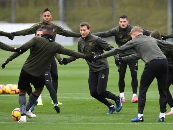 ST ALBANS, ENGLAND - OCTOBER 27: Stephan Lichtsteiner of Arsenal during the Arsenal Training Session at London Colney on October 27, 2018 in St Albans, England. (Photo by David Price/Arsenal FC via Getty Images) *** Local Caption *** Stephan Lichtsteiner