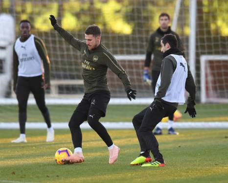 ST ALBANS, ENGLAND - NOVEMBER 02: (L-R) Aaron Ramsey and Henrikh Mkhitaryan of Arsenal during a training session at London Colney on November 2, 2018 in St Albans, England. (Photo by Stuart MacFarlane/Arsenal FC via Getty Images) *** Local Caption *** Aaron Ramsey;Henrikh Mkhitaryan