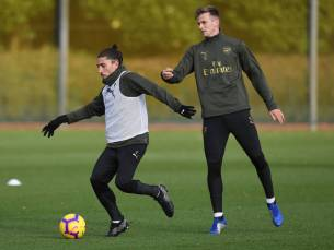 ST ALBANS, ENGLAND - NOVEMBER 21: (L-R) Hector Bellerin and Rob Holding of Arsenal during a training session at London Colney on November 21, 2018 in St Albans, England. (Photo by Stuart MacFarlane/Arsenal FC via Getty Images) *** Local Caption *** Hector Bellerin;Rob Holding