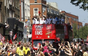 Gunners fans greet FA Cuo winners