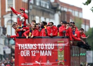 Arsenal fans turn out in force to welcome FA Cup winners