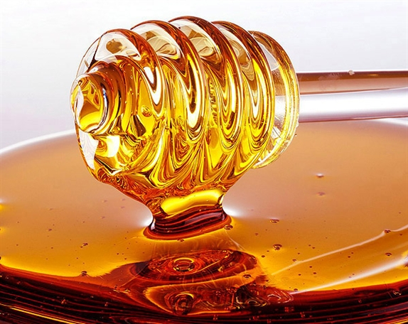 Arsenic & Old Place Celebrates National Honey Month---Recipes, Homemade Beauty, and More!