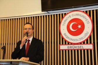 Başkonsolos Ulusoy: Çocuklarınızı Türkçe Dil ve Kültür derslerine mutlaka gönderin