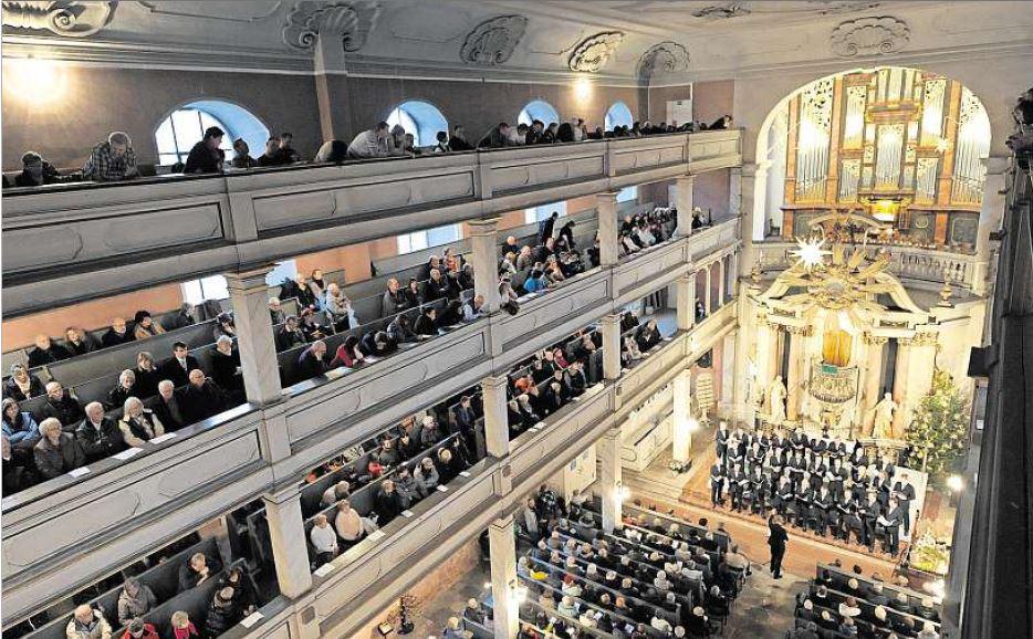 Wenn Ars Musica zum traditionellen Konzert am 4. Advent einlädt, bleibt kein Platz leer in der Suhler Kreuzkirche
