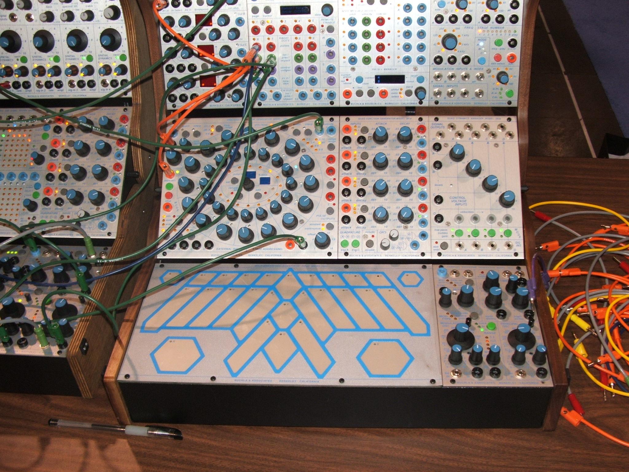 Synthétiseur avec différents modules