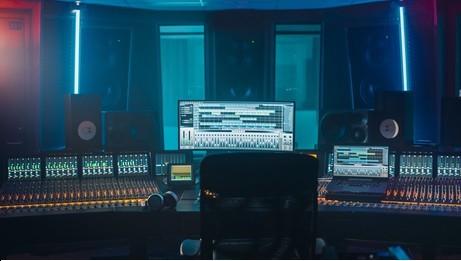 Modern studio with central DAW