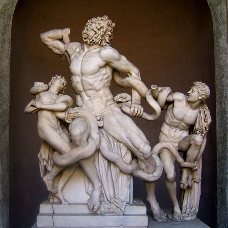 Laocoön_and_His_Sons-3