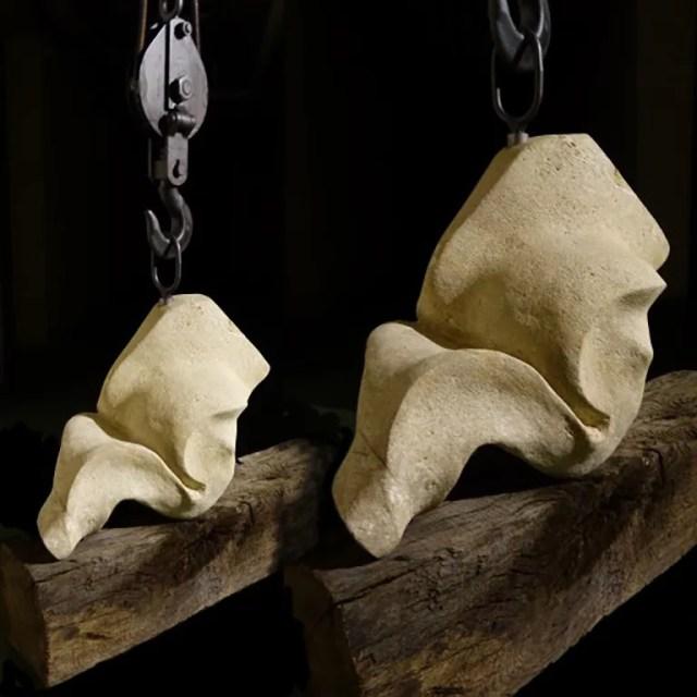 L'instant éternel 2 - Sculpture Calcaire de Lacoste bois de Chêne et acier - Carole Kohler (c)