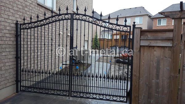 Creative Entrance And Driveway Gate Design In Toronto