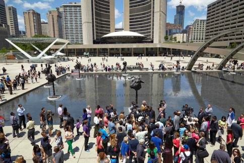 Бронзовые скульптуры Ай Вэйвэя в Канаде
