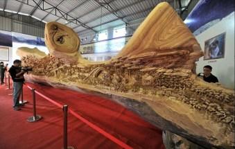 2. Самая длинная в мире скульптура из дерева