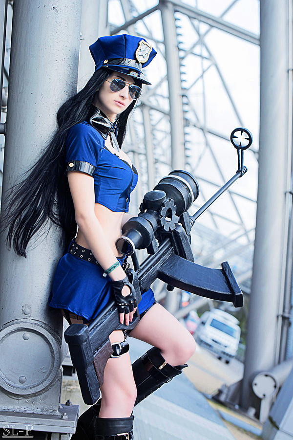 Gangplank Wallpaper Hd Officer Caitlyn League Of Legends Cosplay Art Of Lol