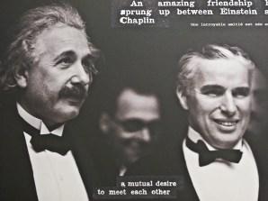 Una foto degli amici Chaplin e Einstein