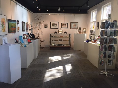 New Interior - Galleria at Art Presence - after adding new carpet and a new hanging system at Art Presence Art Center, Jacksonville, OR