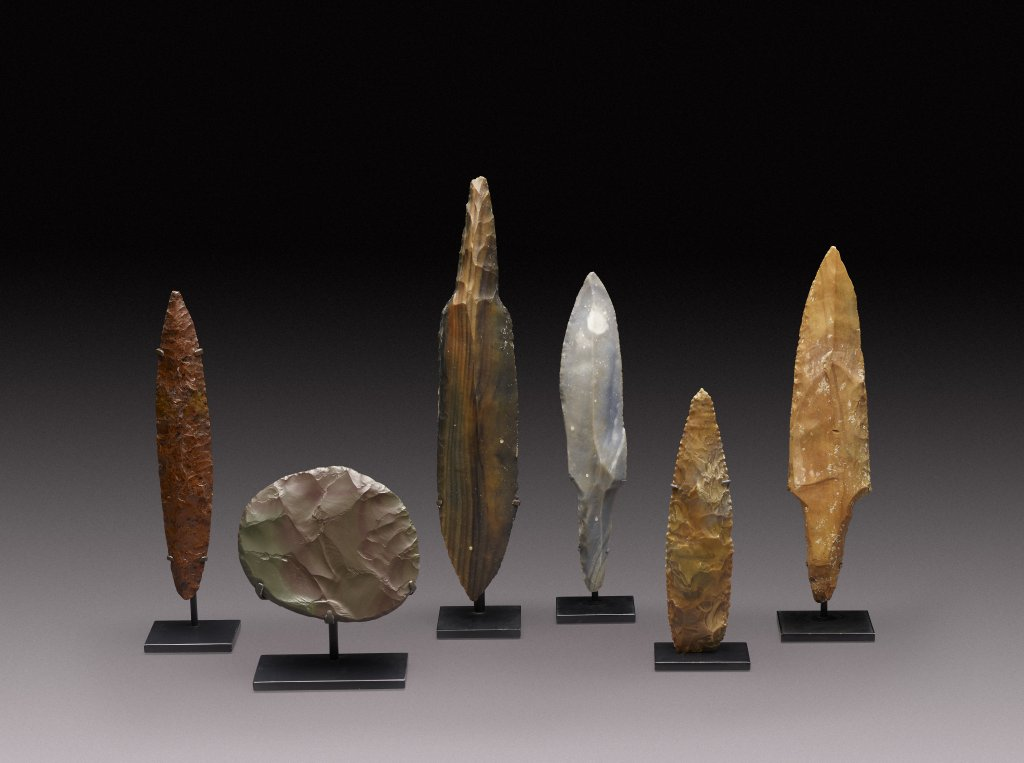Various stone blades from Mexico, the Western Sahara and the Maya Lowlands, ca. 7500 BCE - 30 CE