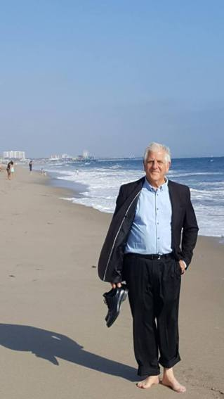 McCleary near Annenberg Beach House 2017 opening Mine Stein On the Beach; Image courtesy of Art Division