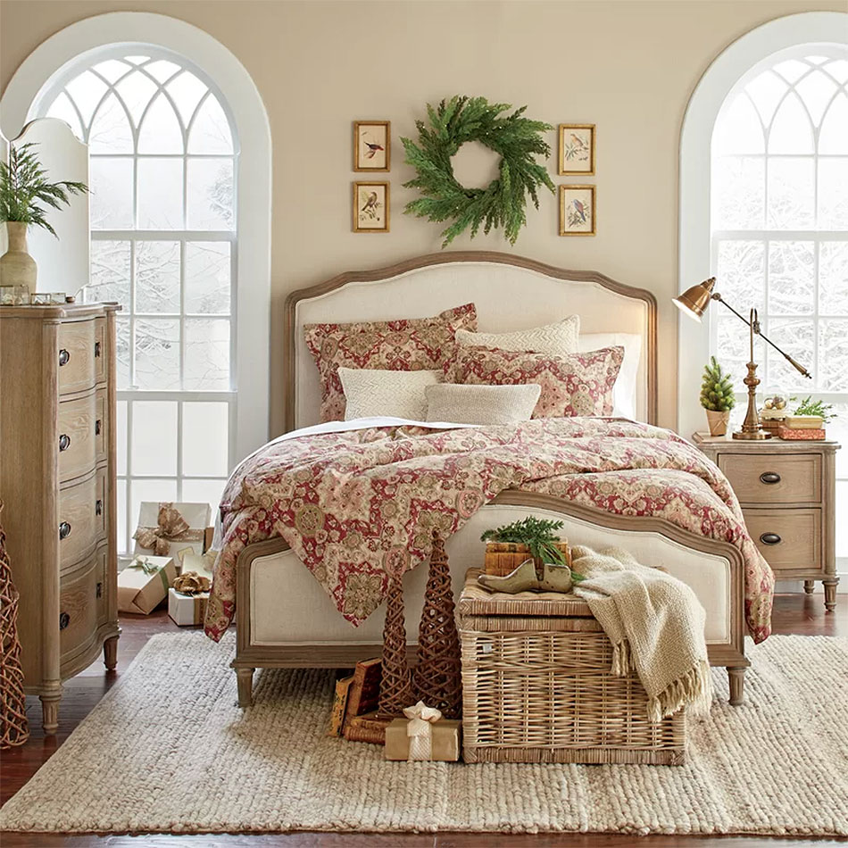 An Elegant Christmas Bedroom