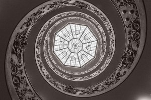 Grand Staircases That Inspire Awe & Wonder