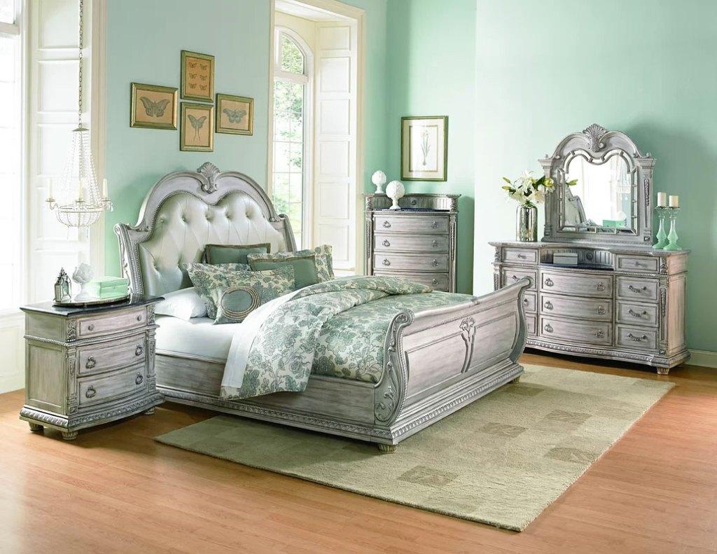 Upholstered Sleigh Beds | Toddington Queen Bed