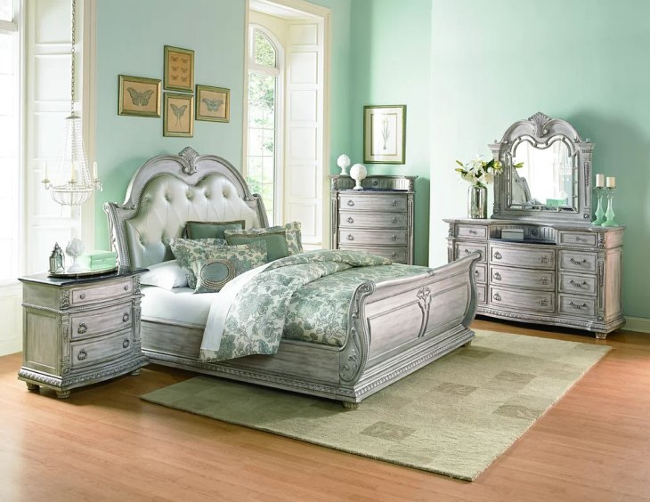 Upholstered Sleigh Beds | Toddington Queen Bed