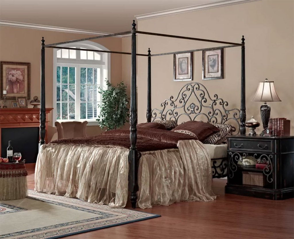 Canopy Beds   Sorrento King Bed