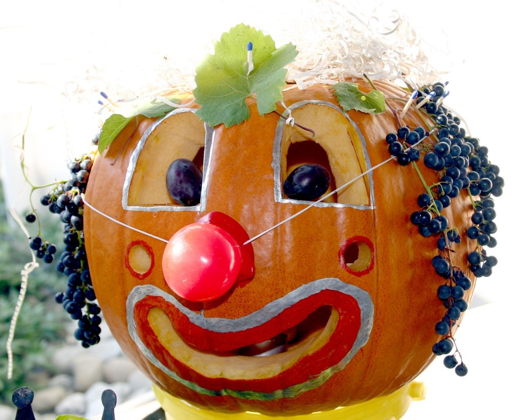 Halloween Pumpkin Carving Ideas | Clown Pumpkin