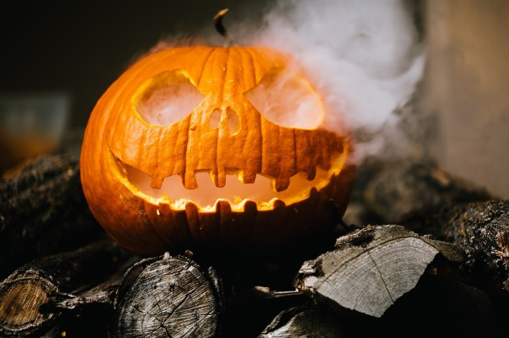 Halloween Pumpkin Carving Ideas | Smoking Dry Ice Pumpkin