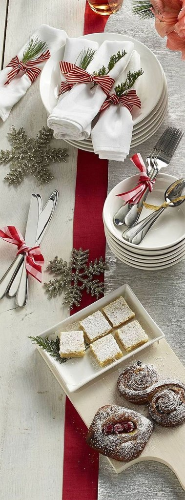 Candy Cane Inspired Christmas Table