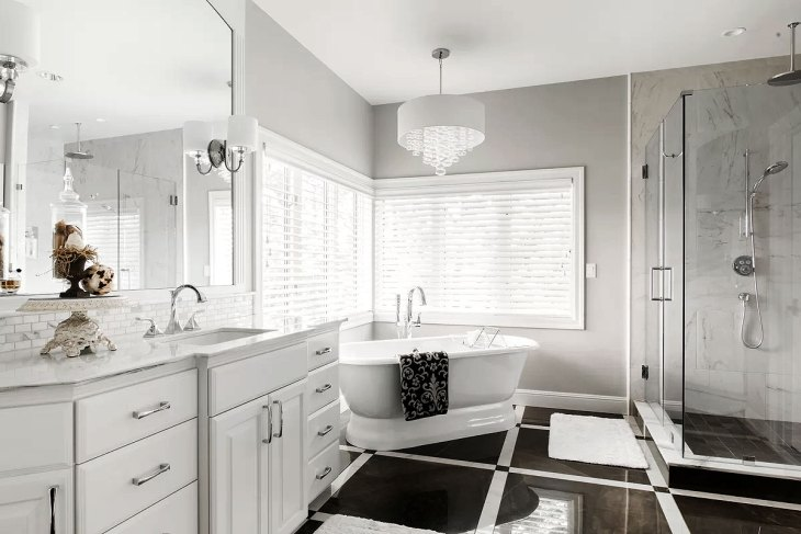 Elegant Black & White Bathroom