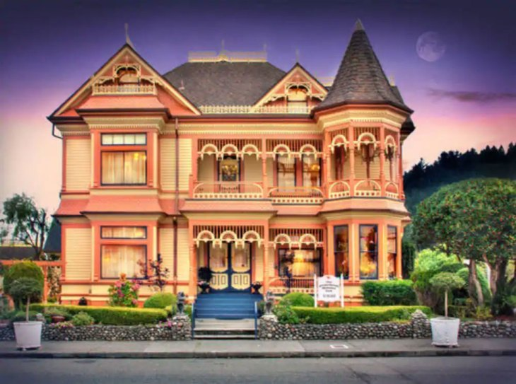 Gingerbread Mansion Inn Ferndale , California
