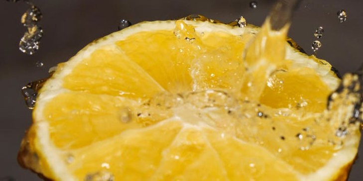 Green Home Cleaning Tips Using Lemon
