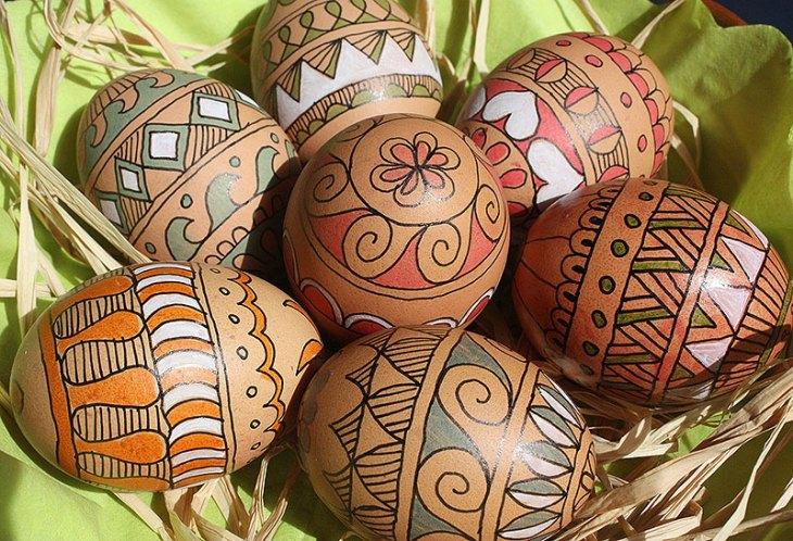 Painted Natural Brown Easter Eggs