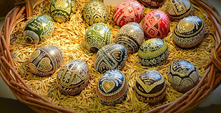 Wax Technique Painted Easter Eggs