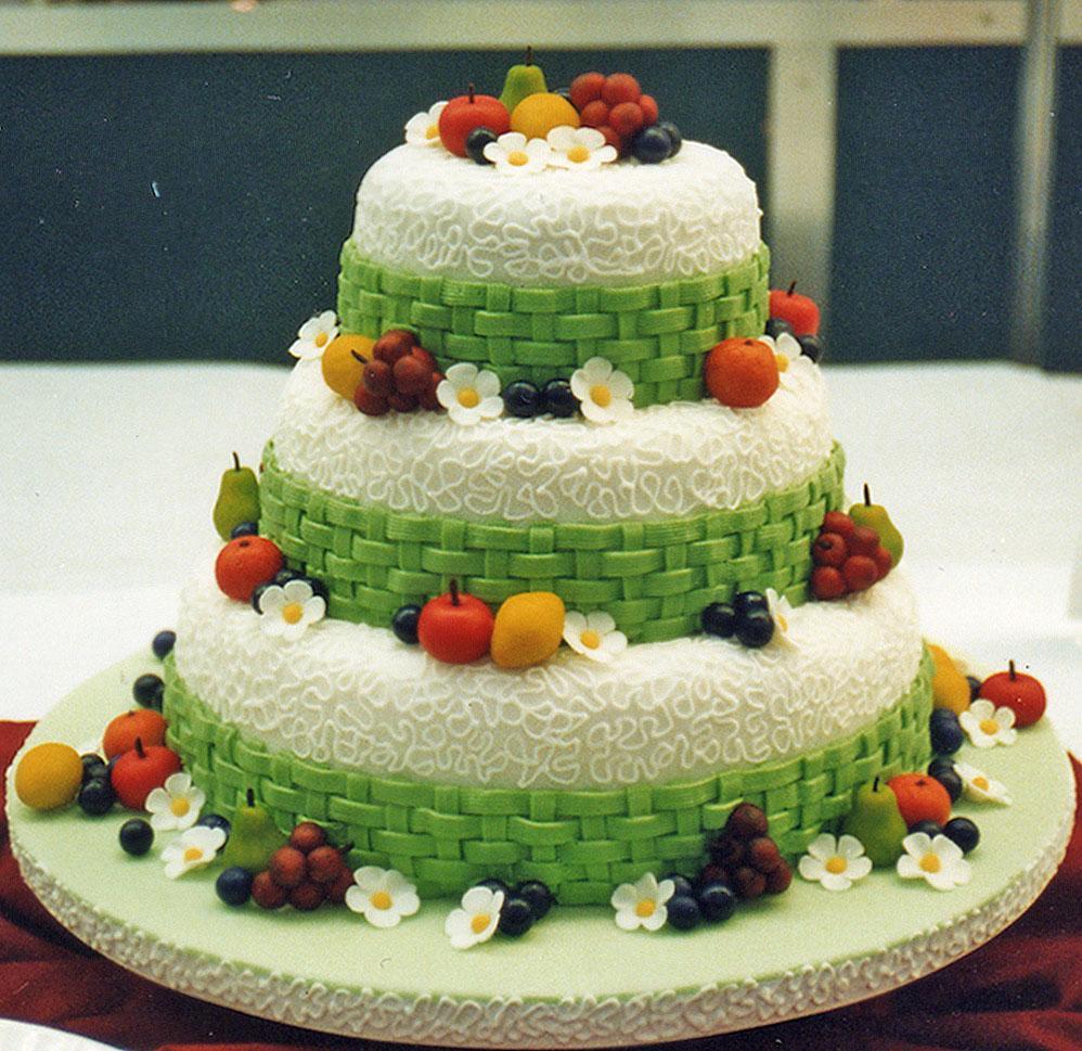 Lace & Lattice Garden Cake