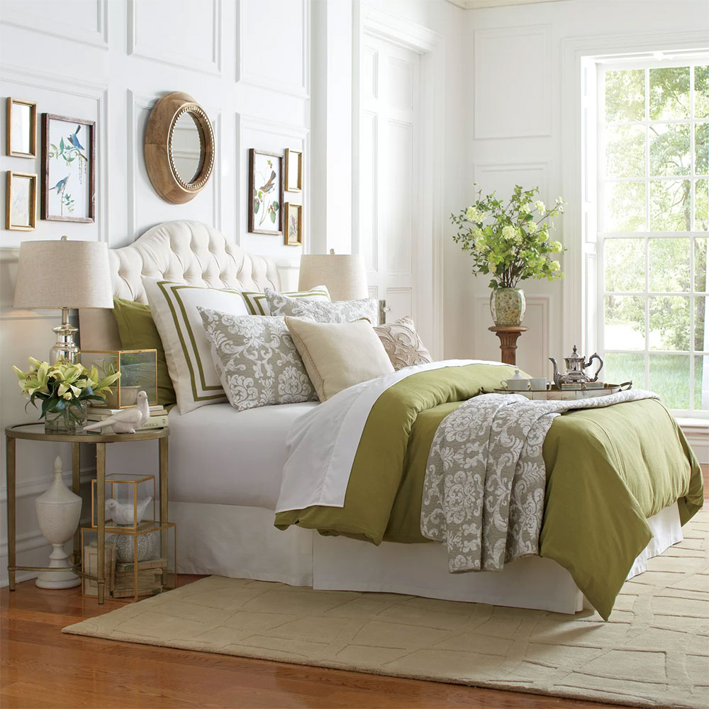 Warm and Inviting French Country Bedroom Design