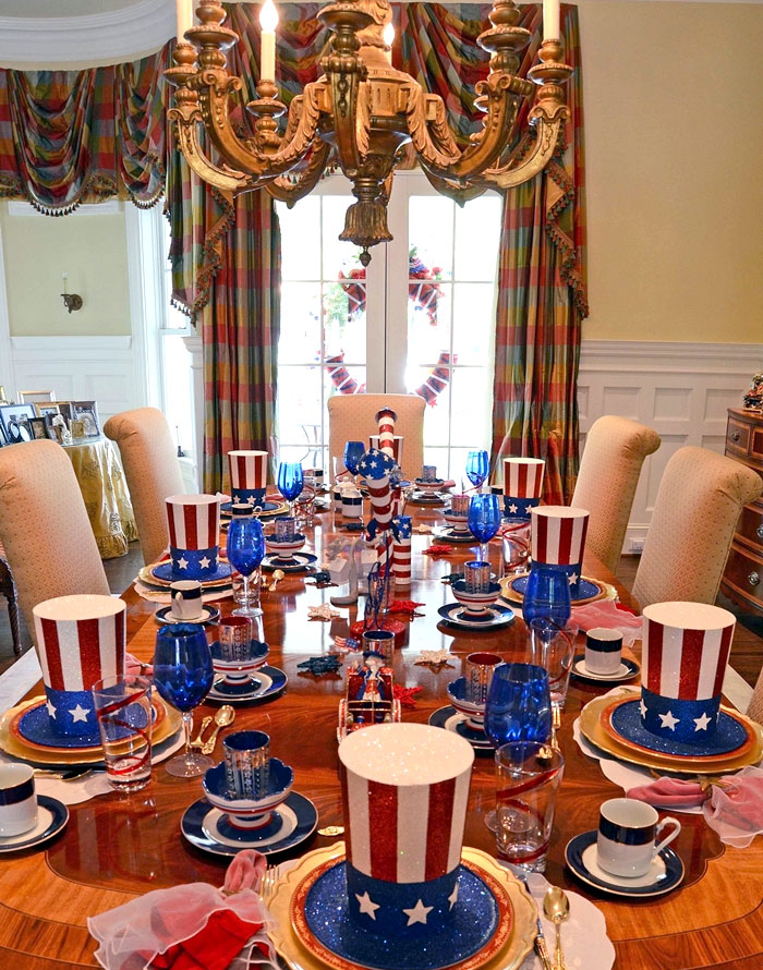 4th of July Uncle Sam Hat Table Setting