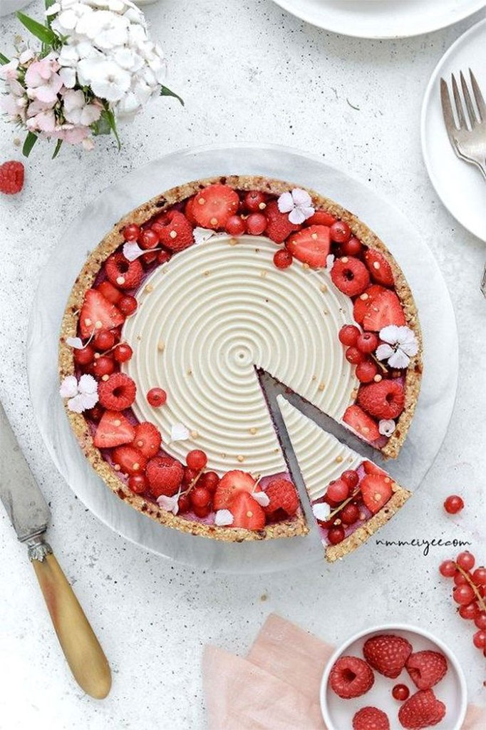 Raspberry White Chocolate Vegan Tart