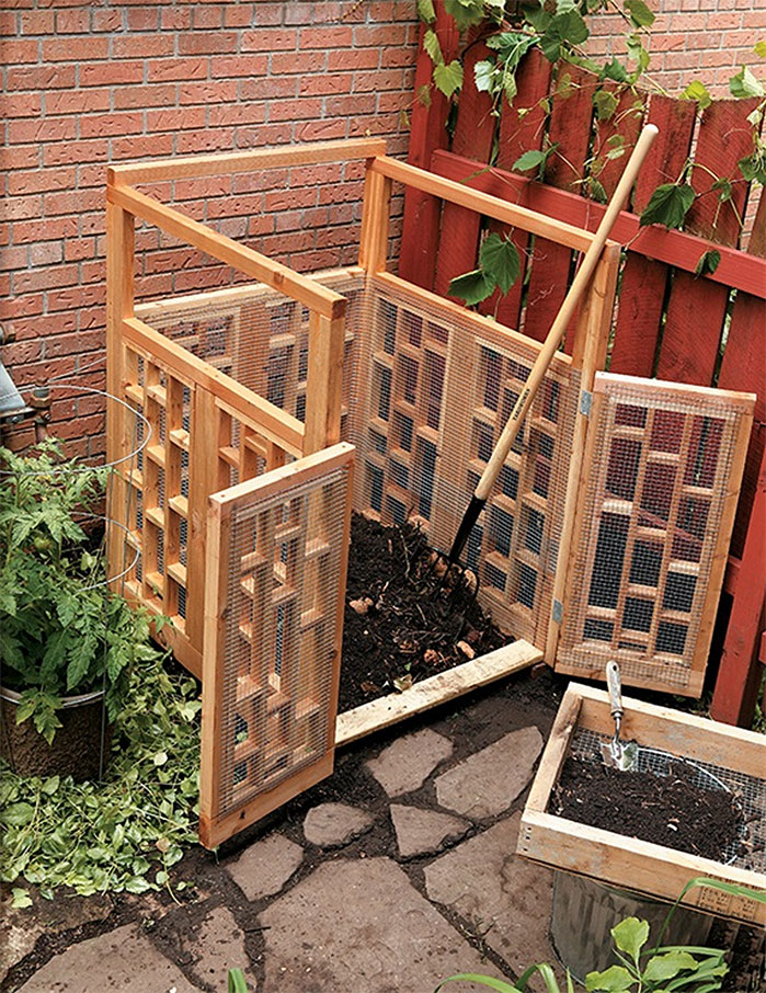 Wood and Wire DIY Outdoor Compost Bin
