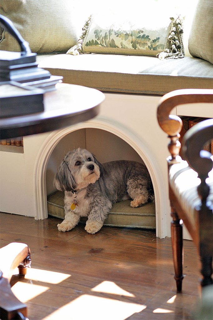 Bench Seat With Pet Nook