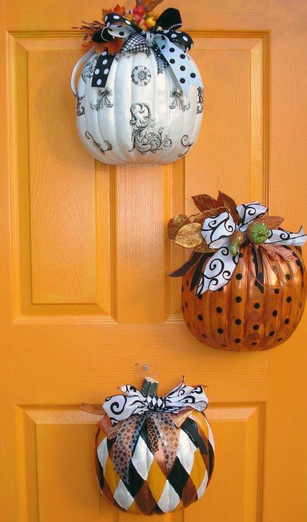 DIY Dollar Store Pumpkin Door Hangers