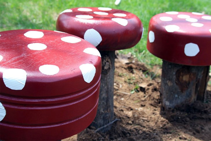 DIY Backyard Ideas | Garden Toadstools