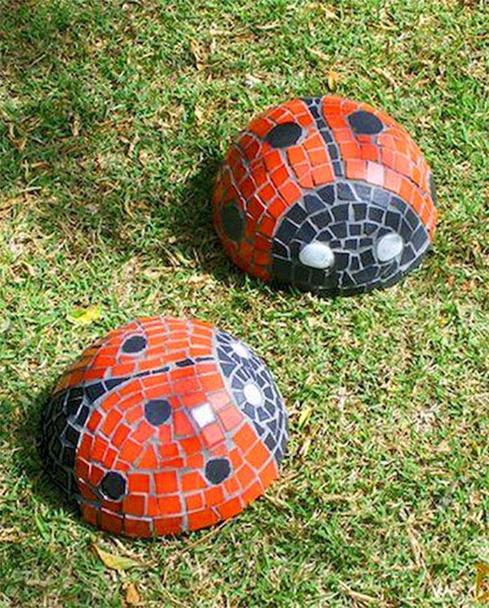 DIY Ladybug Mosaic Garden Stones