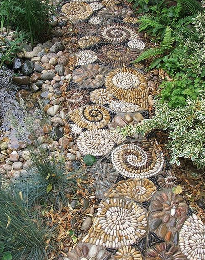 DIY Mosaic River Rock Garden Path
