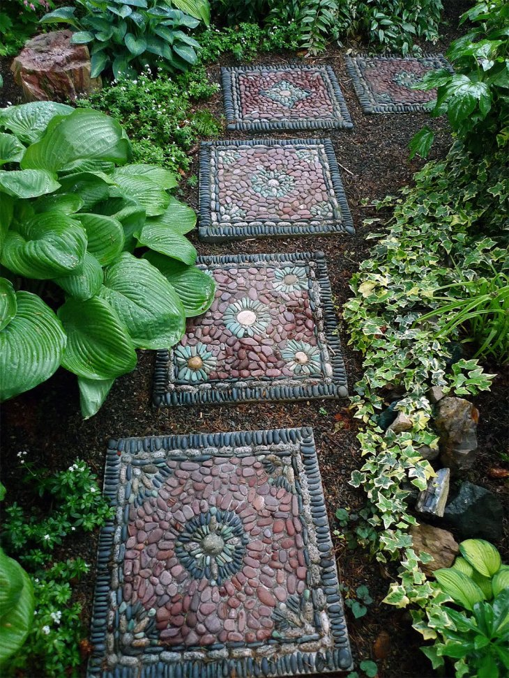 DIY Backyard Ideas |  Pebble Stepping Stones