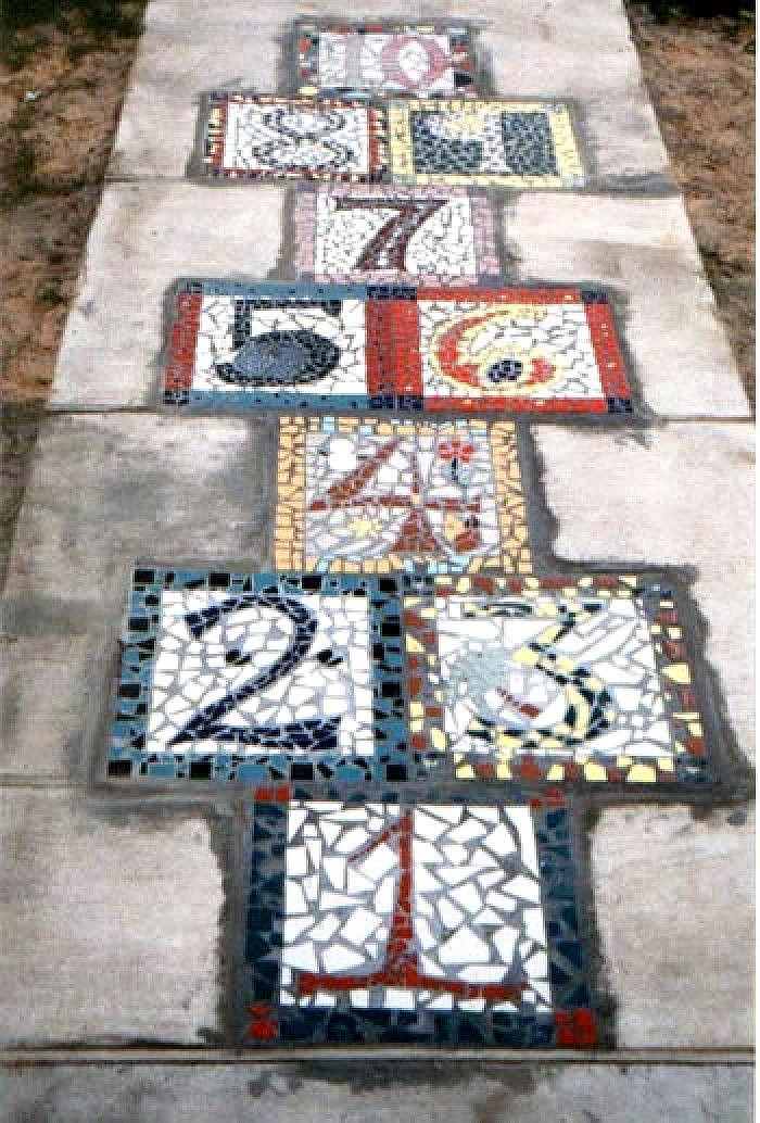 DIY Garden Mosaic Hopscotch