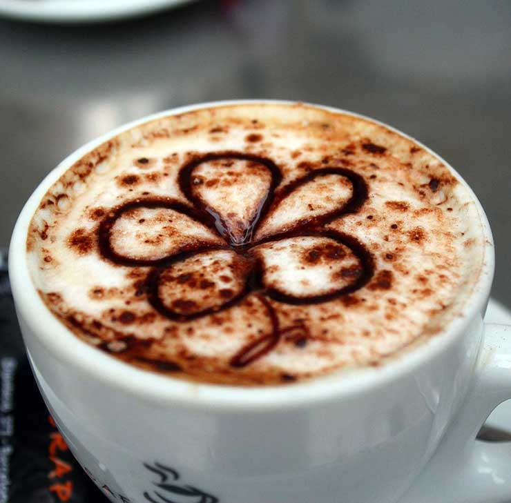 Simple Flower Latte Art
