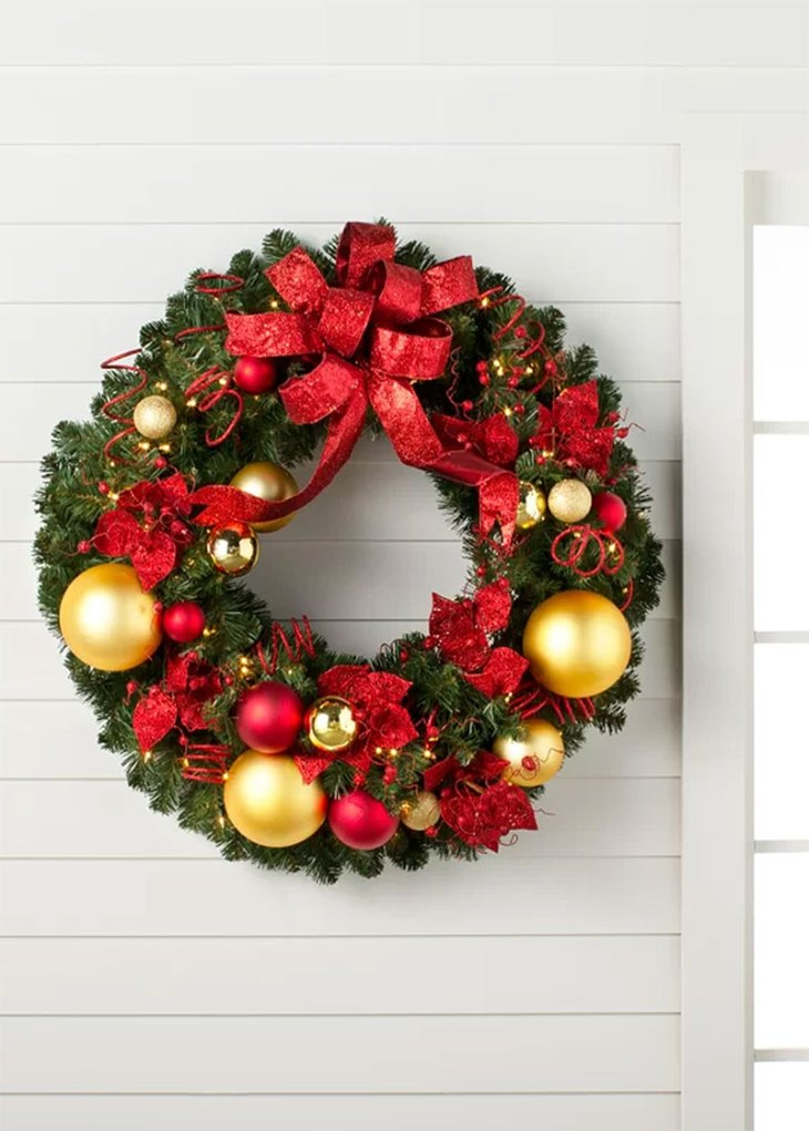 Cozy Christmas Lighted Wreath